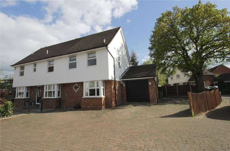 5 Bedrooms Detached House for sale in Russetts, Langdon Hills, Essex, SS16