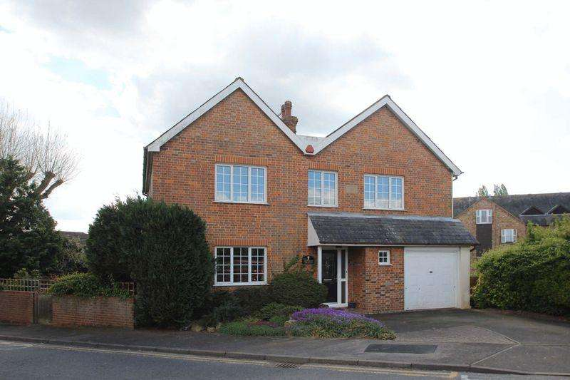 5 Bedrooms Detached House for sale in Hadlow