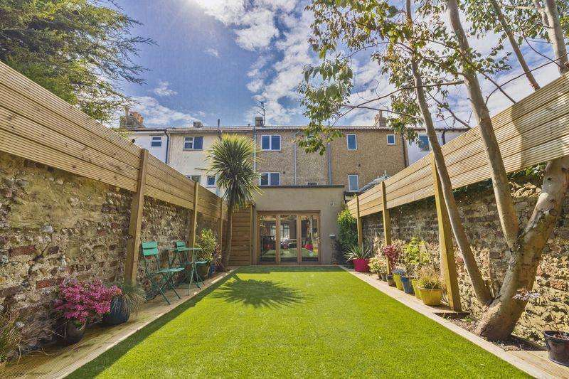 3 Bedrooms Terraced House for sale in Old Shoreham Road, Shoreham-By-Sea