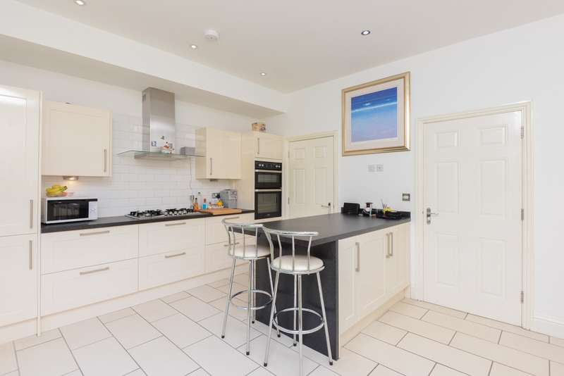 4 Bedrooms House for sale in Tidewell Mews, Harold Road, Westgate On Sea, CT8