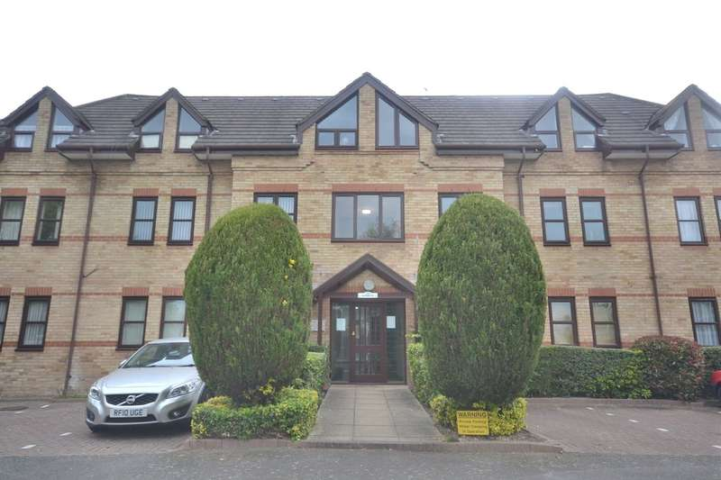 2 Bedrooms Flat for sale in The Gables, Garston, Watford