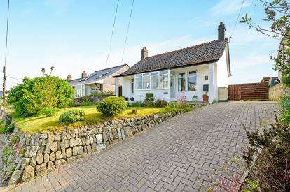 3 Bedrooms Bungalow for sale in Indian Queens, St. Columb, Cornwall