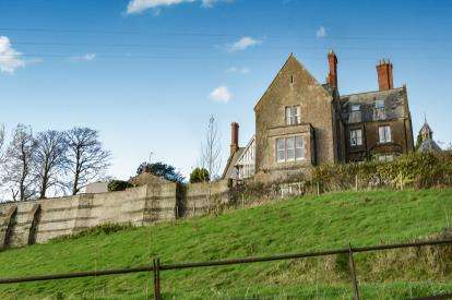 5 Bedrooms House for sale in Bratton Seymour, Wincanton, Somerset