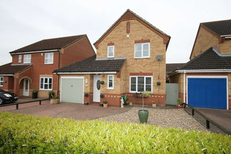 3 Bedrooms Detached House for sale in Snowdrop Drive, Attleborough