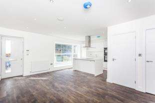 2 Bedrooms Flat for sale in Granville Road (TBA), 75A Granville Road, Sidcup, Kent