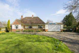 4 Bedrooms Detached House for sale in Watermill Lane, Bexhill-on-Sea, East Sussex