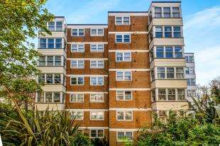 2 Bedrooms Flat for sale in Park Royal, 66 Montpelier Road, Brighton, East Sussex