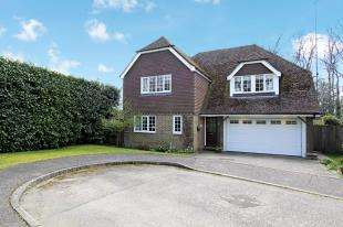 4 Bedrooms Detached House for sale in Spring Copse, Borers Arms Road, Copthorne, West Sussex