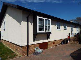 2 Bedrooms Mobile Home for sale in Friars Close, Pilgrims Retreat, Harrietsham, Maidstone