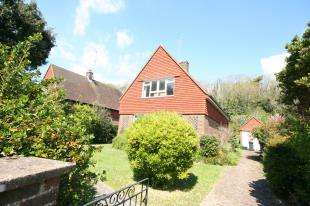 2 Bedrooms Detached House for sale in Parkway, Eastbourne, East Sussex