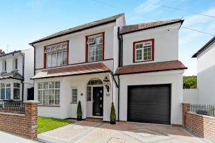 5 Bedrooms Detached House for sale in Spring Park Road, Croydon