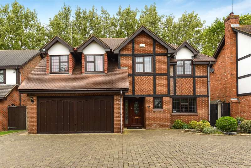 5 Bedrooms Detached House for sale in Acorn Close, Stanmore, Middlesex, HA7