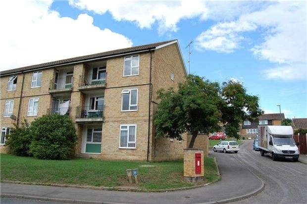 1 Bedroom Flat for sale in Duderstadt Close, Stroud, Gloucestershire, GL5 4EA