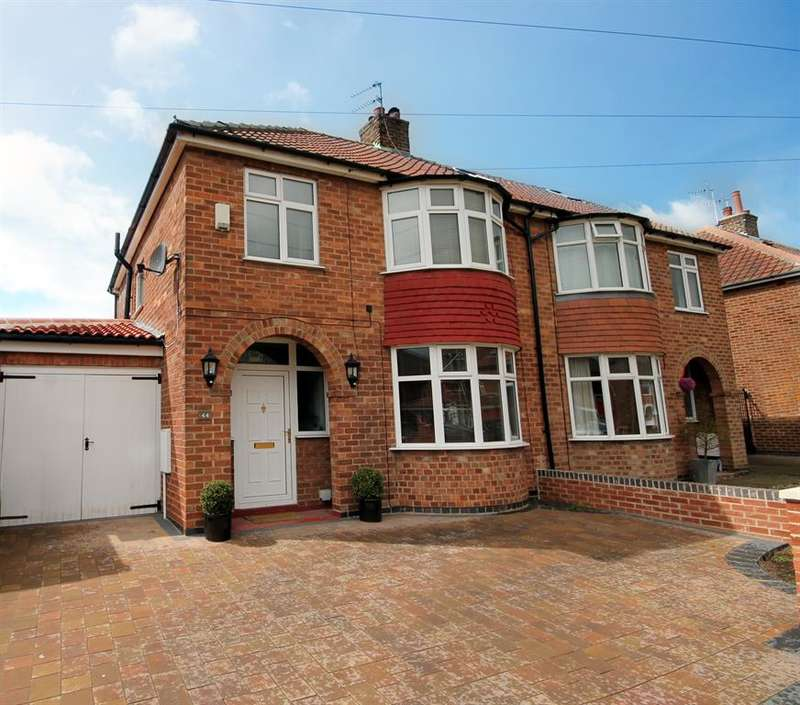 4 Bedrooms Semi Detached House for sale in Penyghent Avenue, York, YO31 0QJ