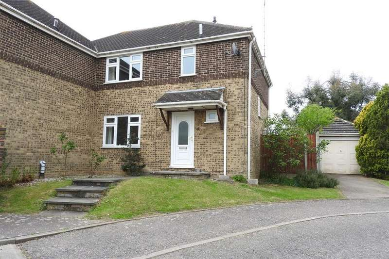 3 Bedrooms Semi Detached House for sale in Gwyn Close, Boreham, Chelmsford