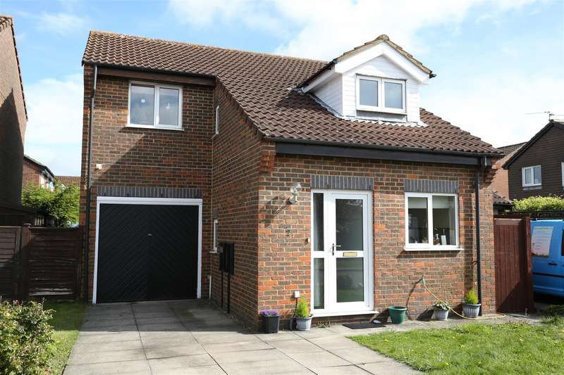 3 Bedrooms Property for sale in Maple Drive, Wellingborough
