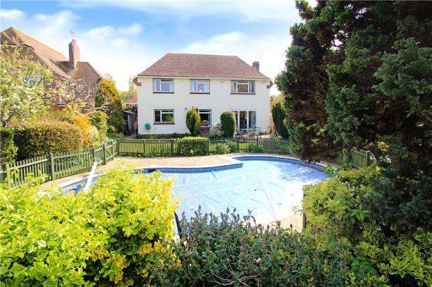 4 Bedrooms Detached House for sale in Golden Avenue, West Kingston Estate, East Preston, West Sussex, BN16