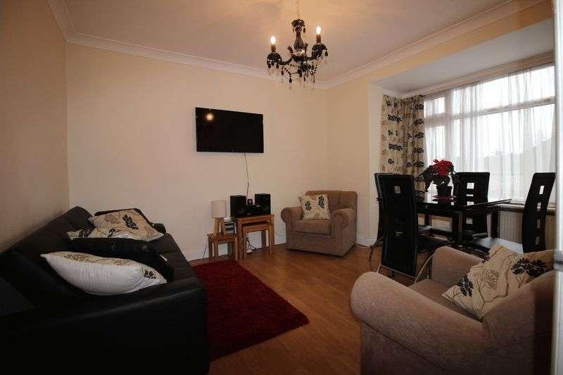 2 Bedrooms Flat for sale in Headstone Gardens, Harrow
