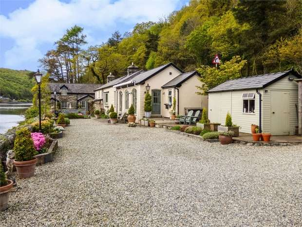 5 Bedrooms Cottage House for sale in Tan-Y-Bwlch, Vale of Ffestiniog, Gwynedd
