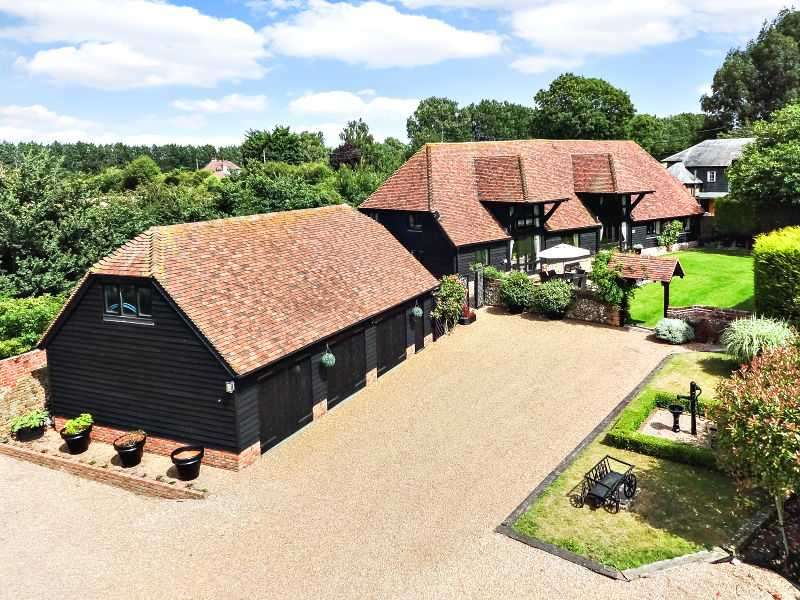 5 Bedrooms Detached House for sale in The Barn, Place Farm, Hartlip, SITTINGBOURNE