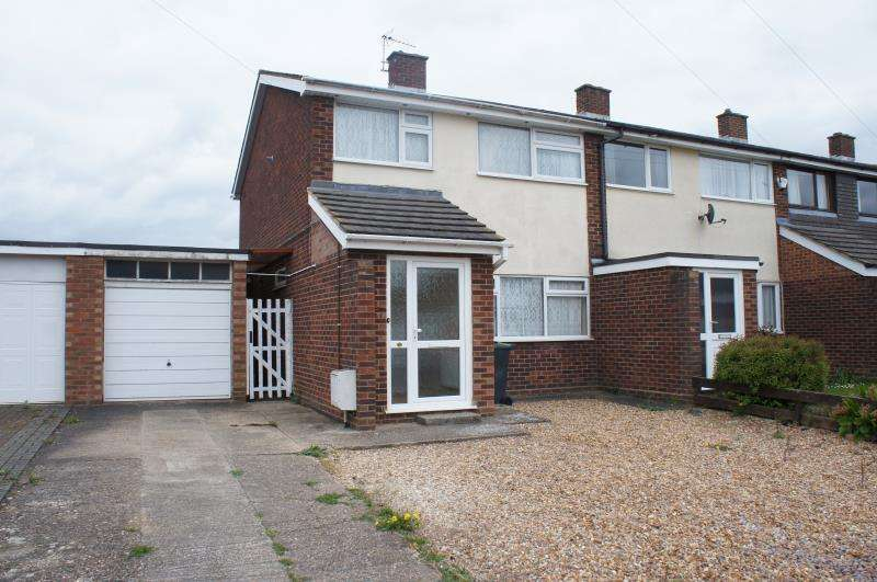 3 Bedrooms Terraced House for sale in Lordsmead, Cranfield, Bedfordshire