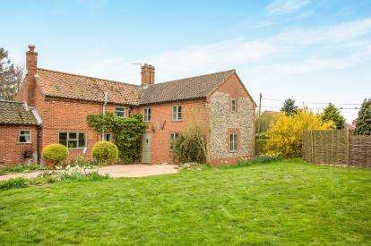 4 Bedrooms Detached House for sale in North Tuddenham, Dereham, Norfolk