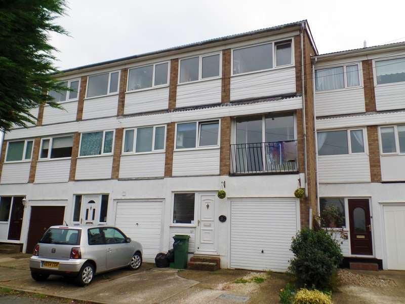 4 Bedrooms Terraced House for sale in Sundale Close, Holland on Sea