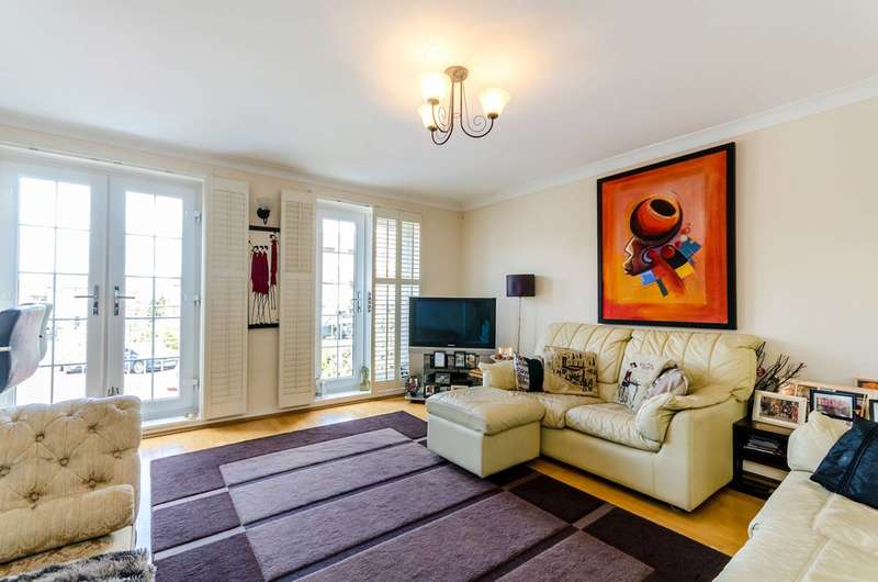 4 Bedrooms End Of Terrace House for sale in Selsdon Close, Surbiton, KT6