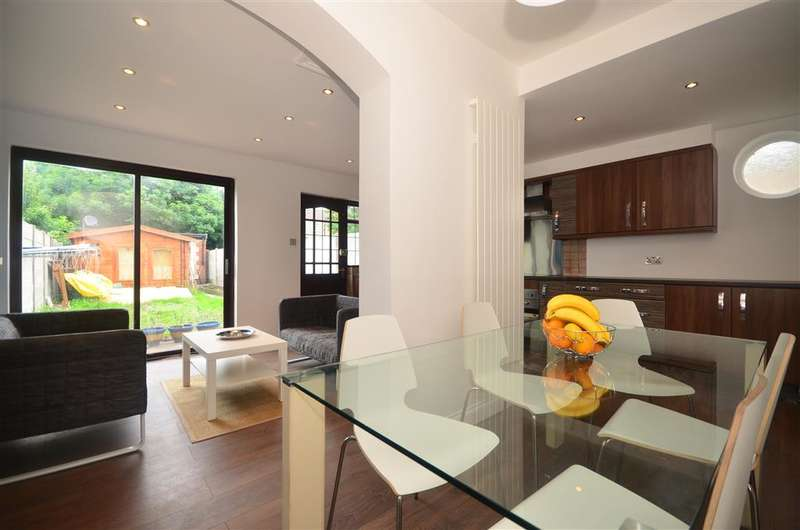 5 Bedrooms End Of Terrace House for sale in Newham Way, East Ham, London
