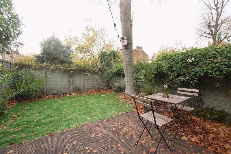 1 Bedroom Flat for sale in Abersham Road, London