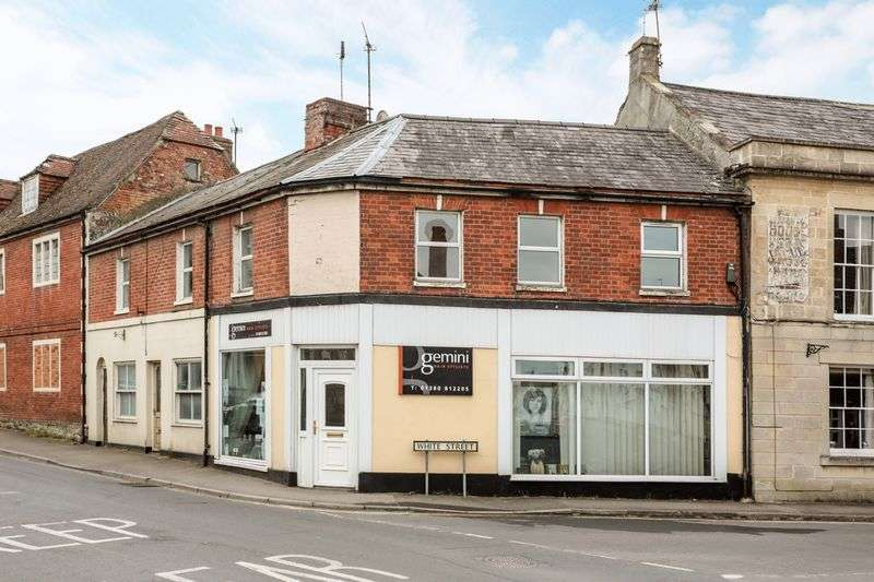3 Bedrooms Flat for sale in High Street, Devizes