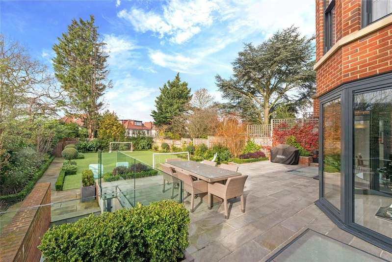 7 Bedrooms Detached House for sale in Oakfields Road, Temple Fortune, London