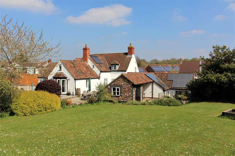 4 Bedrooms Detached House for sale in Roselands, Pill, BS20