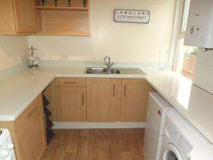 1 Bedroom Flat for sale in High Street, Sheerness, Kent