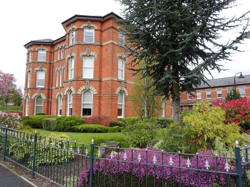 1 Bedroom Flat for sale in Kensington Square, Off Pavilion Way, Macclesfield