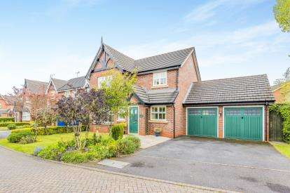 4 Bedrooms Detached House for sale in Caldwell Close, Stapeley, Nantwich, Cheshire