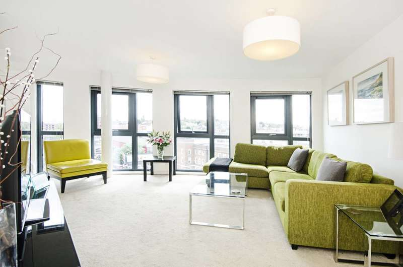 2 Bedrooms Flat for sale in Mannock Close, Colindale, NW9
