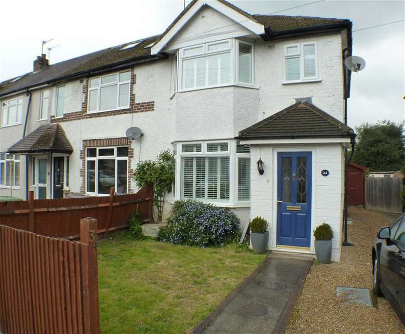 3 Bedrooms Property for sale in Hart Road, Byfleet, Surrey