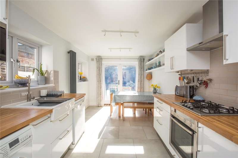4 Bedrooms Terraced House for sale in Lothair Road North, Finsbury Park, London, N4