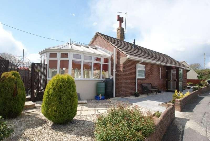 2 Bedrooms Detached Bungalow for sale in Rydon Estate   Kingsteignton   TQ12 3LR