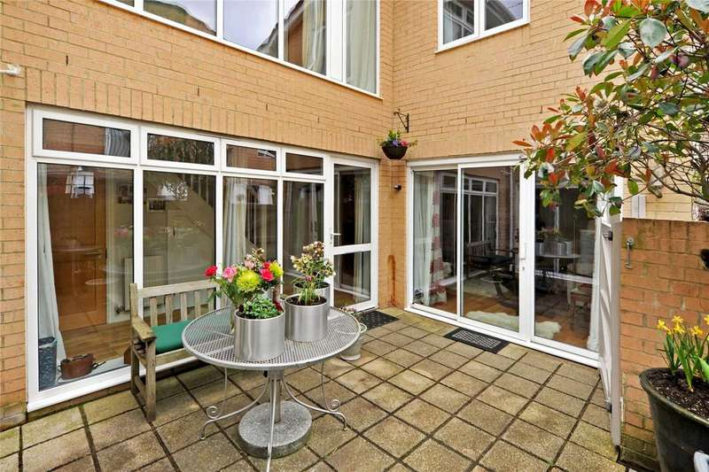 2 Bedrooms Detached House for sale in Beaufort Mews, Suspension Bridge Road, Bristol, BS8