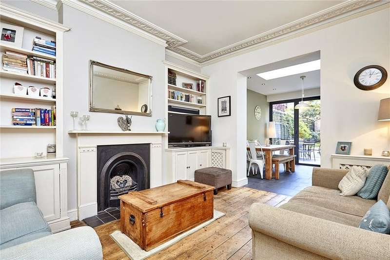 3 Bedrooms Flat for sale in Cromford Road, London, SW18