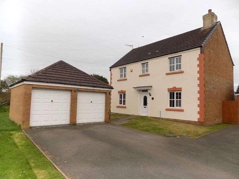 4 Bedrooms Detached House for sale in Heol Y Cwrt , North Cornelly, Bridgend. CF33 4AX