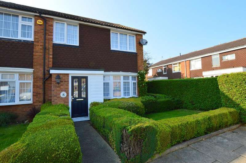 3 Bedrooms Semi Detached House for sale in Telscombe Way, Stopsley, Luton, LU2 8JW