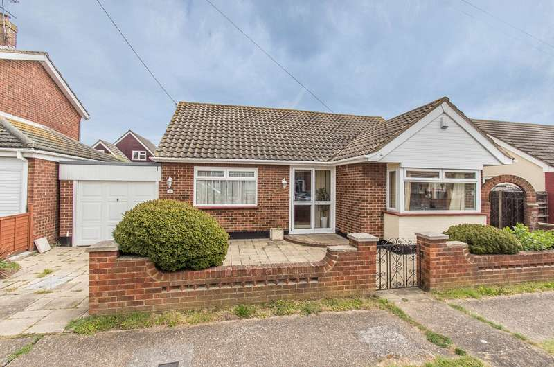 2 Bedrooms Detached Bungalow for sale in Shell Beach Road, Canvey Island, SS8