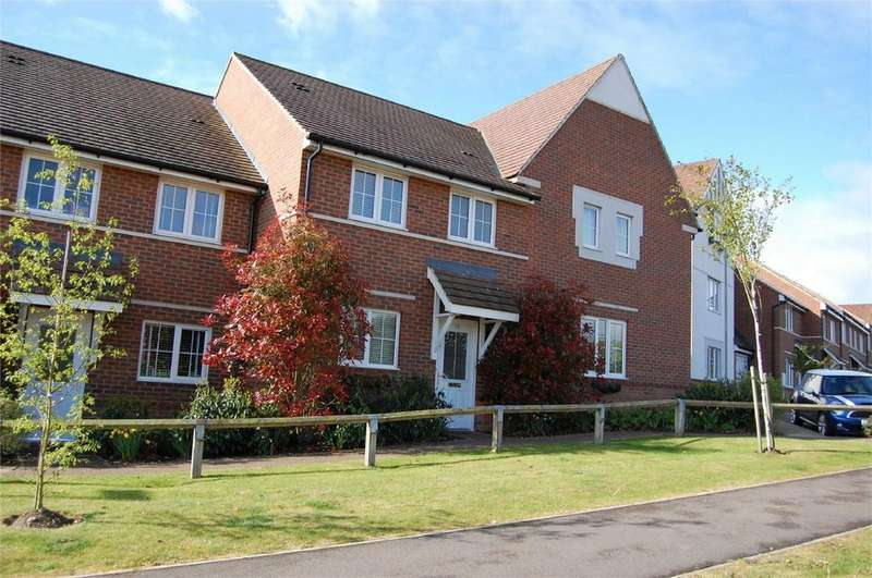 3 Bedrooms Terraced House for sale in Station Road, Watton At Stone, Nr Hertford, Herts