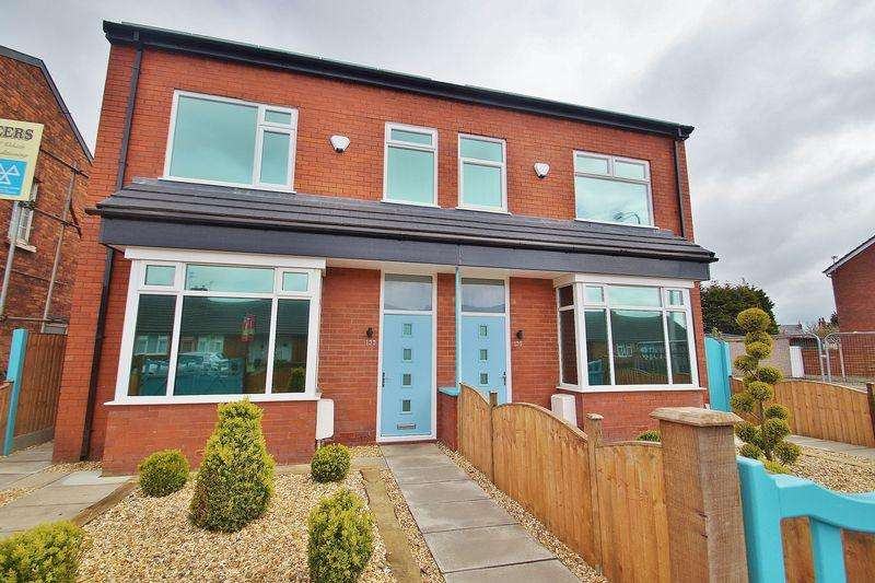 3 Bedrooms Semi Detached House for sale in Hart Street, Southport