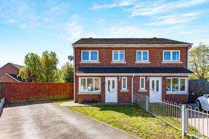 3 Bedrooms Semi Detached House for sale in Lysander Drive, Padgate, Warrington, Cheshire
