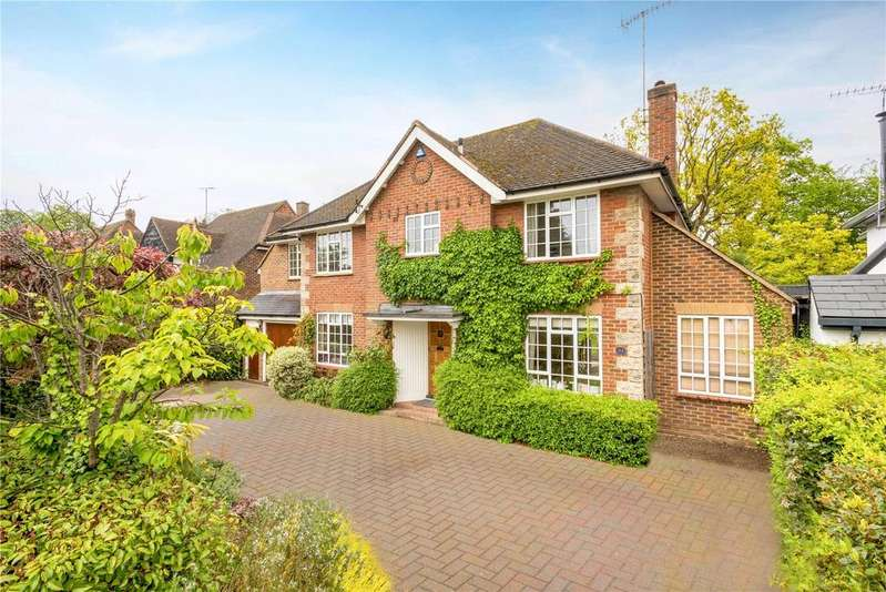 5 Bedrooms Detached House for sale in Knowle Park, Cobham, Surrey, KT11