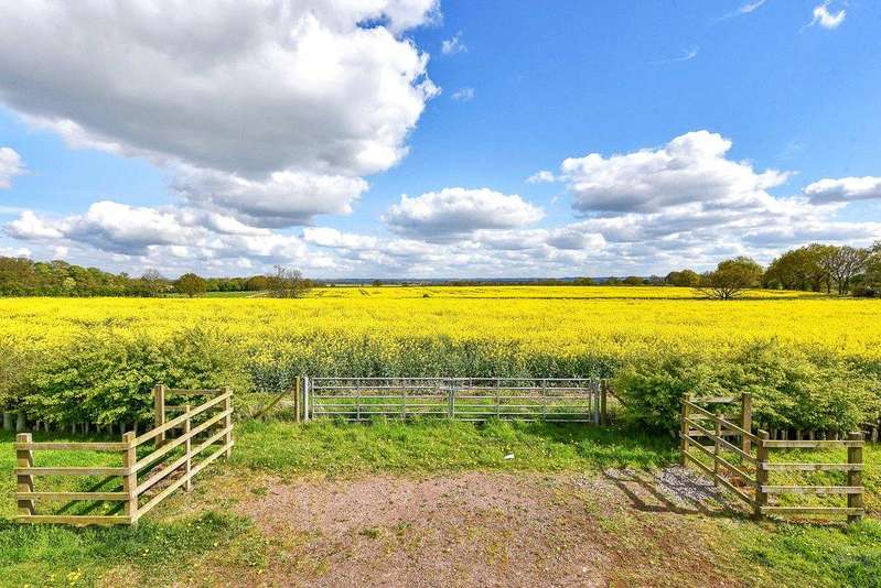 Land Commercial for sale in Syerston, Newark